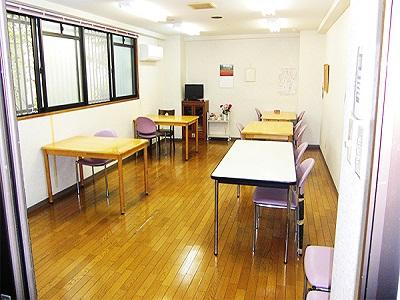 実務者時給1320円の介護職|有料老人ホーム|川西能勢口駅近
