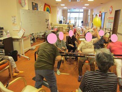 《神戸岡場》デイサービス施設の〘正社員〙介護福祉士