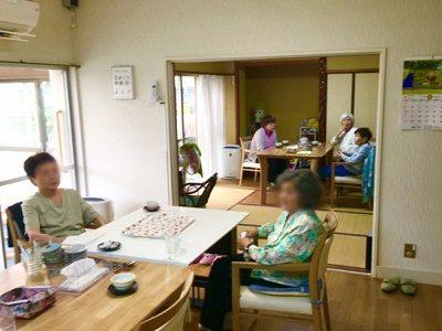 紹介予定派遣|実務者研修修了時給1320円デイ介護職|車通勤可|神戸大北側