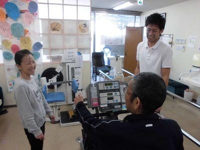 ≪神戸湊川駅近≫実務者~時給1280円☆デイ介護職