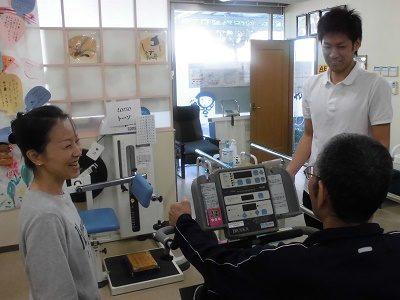≪神戸湊川駅近≫初任者~時給1250円☆デイ介護職