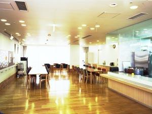 初任者研修修了時給1250円デイサービス介護ヘルパー 夏はアロハで 神戸岩屋